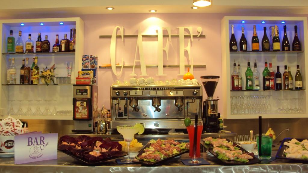 """American Bar Castelli Romani """" bar one """""""